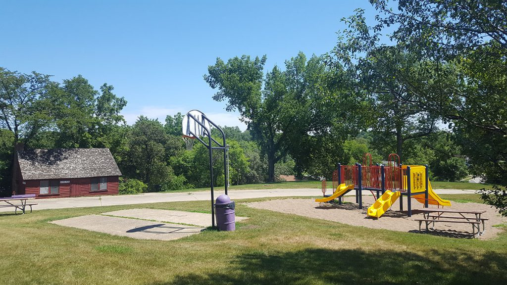 Union Park is a two acre neighborhood park featuring a new playground facility, half-size basketball court, restrooms and an enclosed shelter available to rent from May to September. The park is located at 324 North 17th Street.